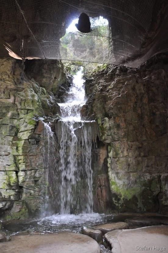 Parc des Buttes-Chaumont waterval