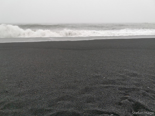 Reynisfjara Beach zwart strand